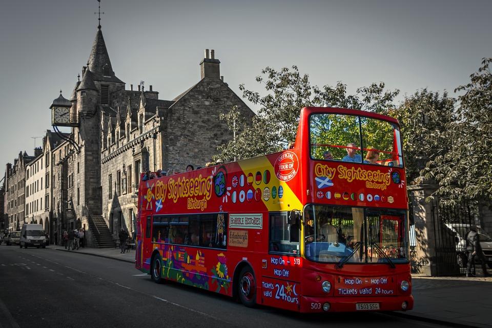 Mit Vermittlungen von Busreisen, online Geld verdienen