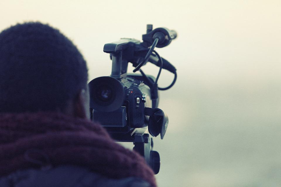 Mit der Produktion von Videos Geld verdienen