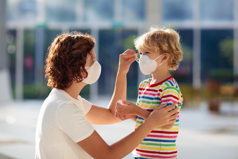 Kinder und Mundschutz: Was müssen Eltern jetzt wissen?